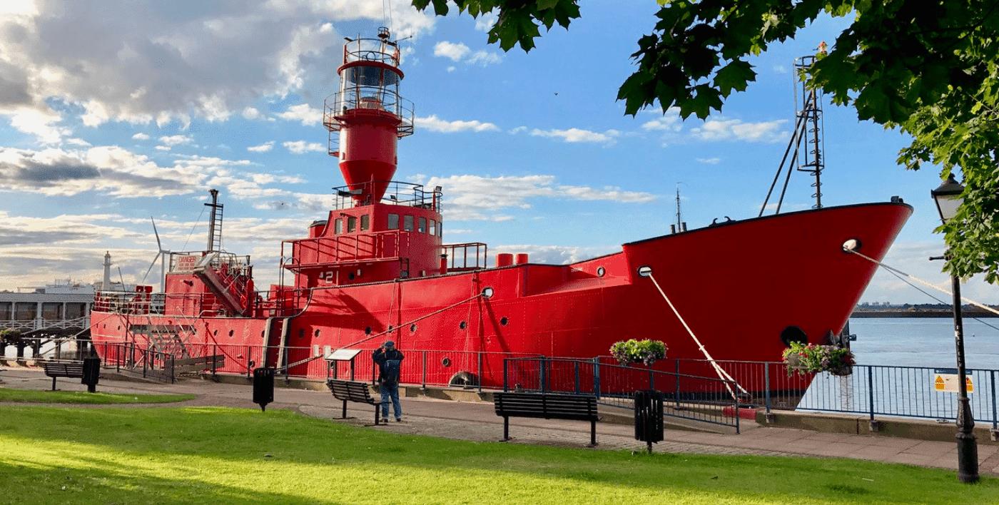 LV 21 Boat